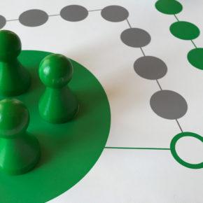 Riesen Ludo / Ludo XXL: Großformat Spiel für Senioren oder für Kindergarten, Schule, Hort