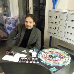 Spielentwicklung, Crowdfunding, Produktion, Verkaufsstart: Ein Rückblick des Autors #dantesreise